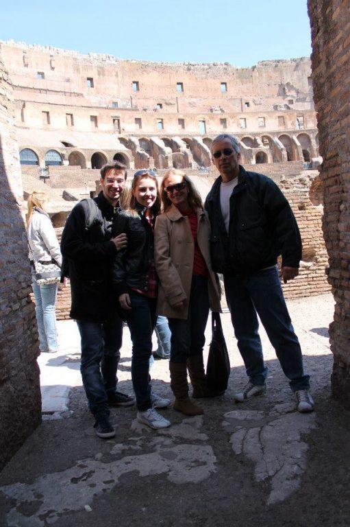 No Coliseu, em Roma.