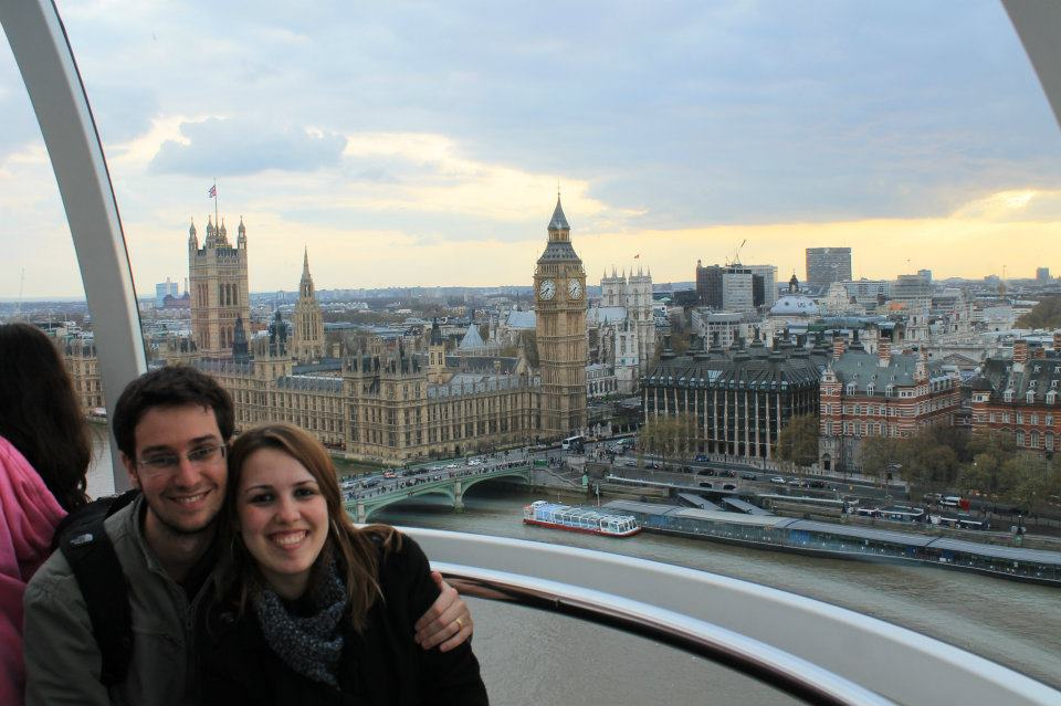 Nós em casa, na London Eye com vista para o Big Ben.