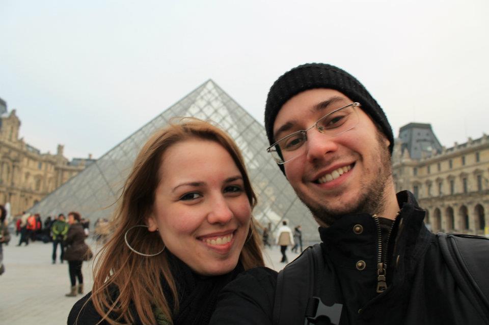 No Louvre, em Paris.