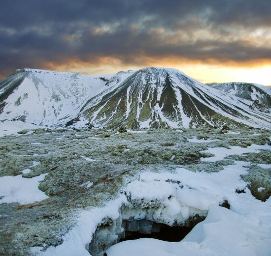 caverna de lava na islândia