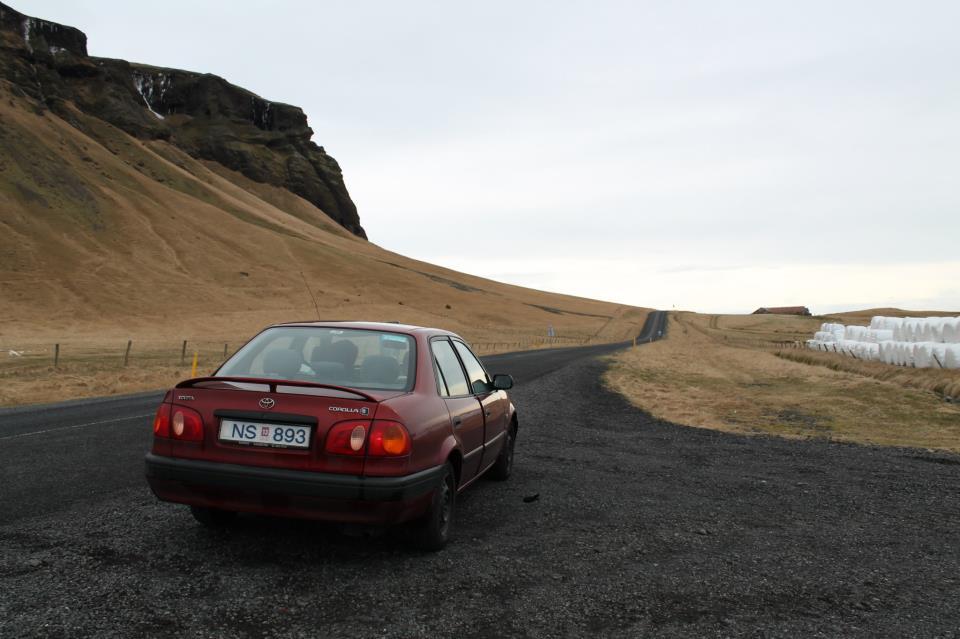 Dirigindo na Islândia: como é e onde alugar carro