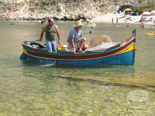 Barquinho de pesca típico de Malta.