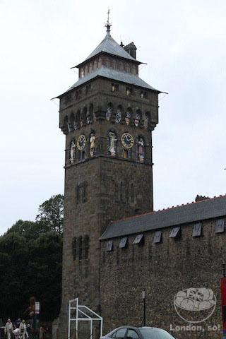Torre do Relógio no Castelo de Cardiff.