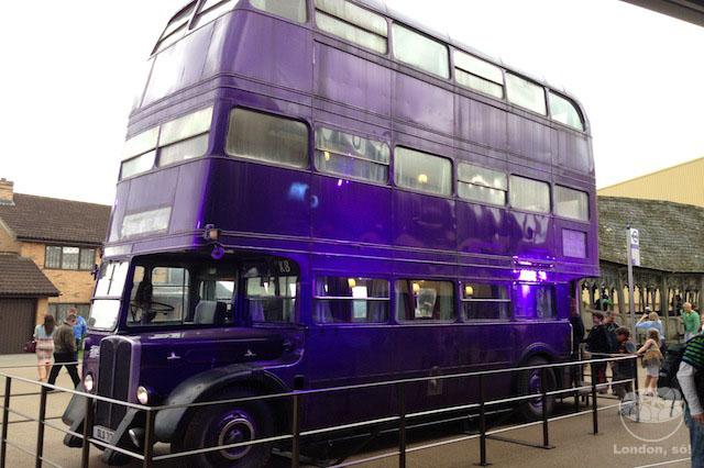O ônibus de três andares.