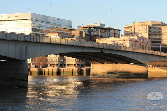 Essa é a London Bridge.