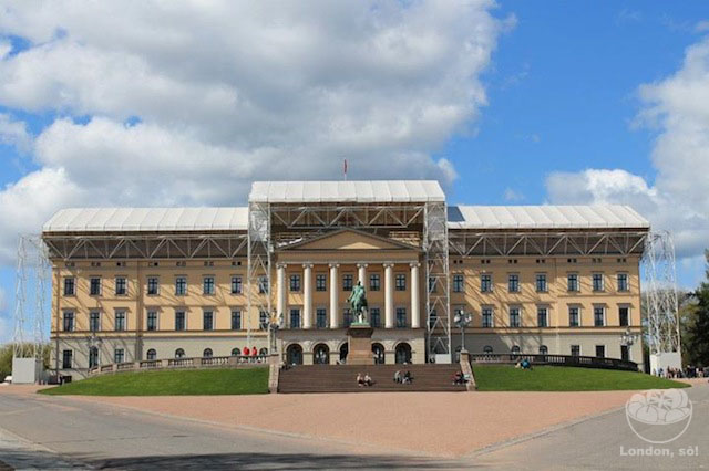 Palácio Real.