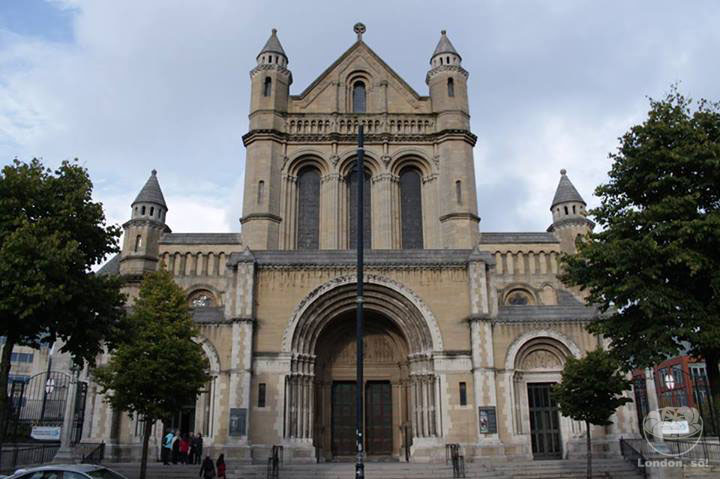 St Anne's Cathedral ou Catedral de Belfast.