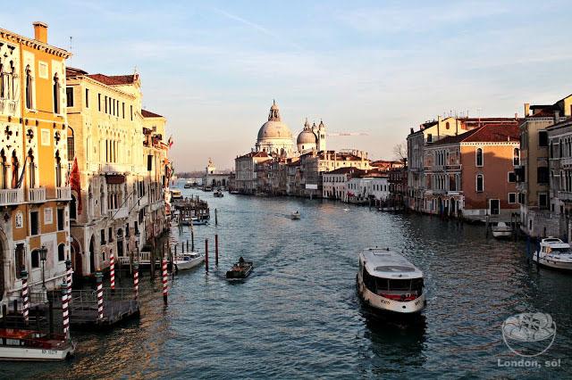 Vista Ponte Accademia em Veneza.