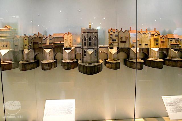 Um pedacinho da maquete que mostra como era a London Bridge antigamente.