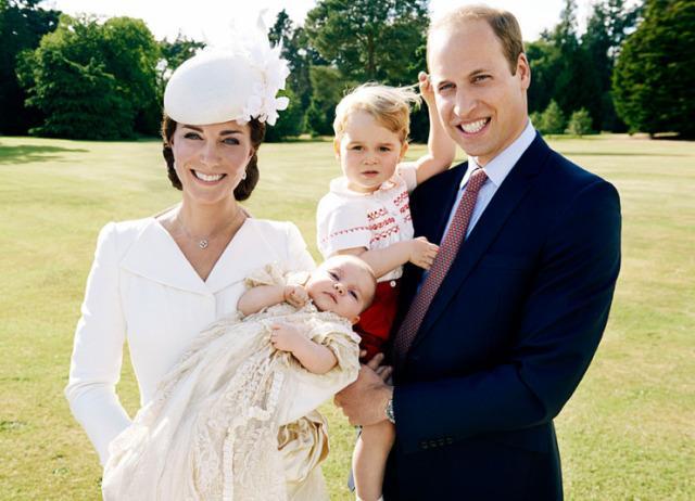 2 Anos do Príncipe George em Fotos e Gifs