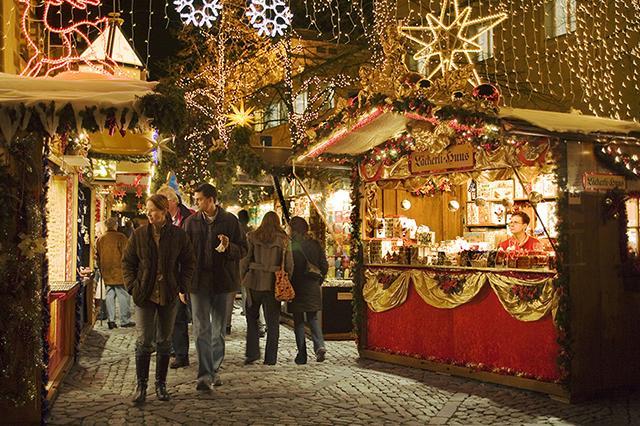 Mercado de Natal em Lucerna, Suíça.
