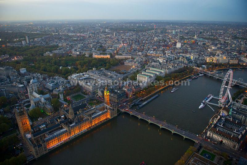 O Parlamento e a London Eye.