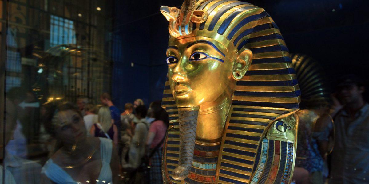 A famosa máscara de Tutankhamon. (AFP PHOTO/KHALED DESOUKI/AFP/GettyImages)