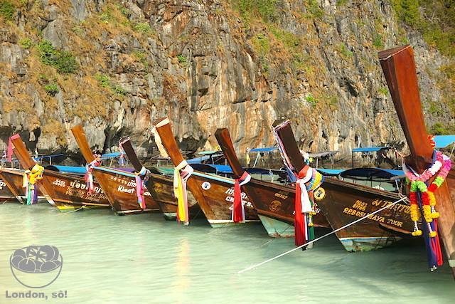Já quase na hora de ir embora: vários barcos já enchiam a praia!