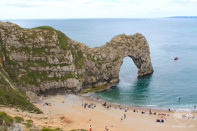 A imponente Durdle Door em Bournemouth.