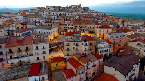 A cidade italiana que paga para atrair novos moradores