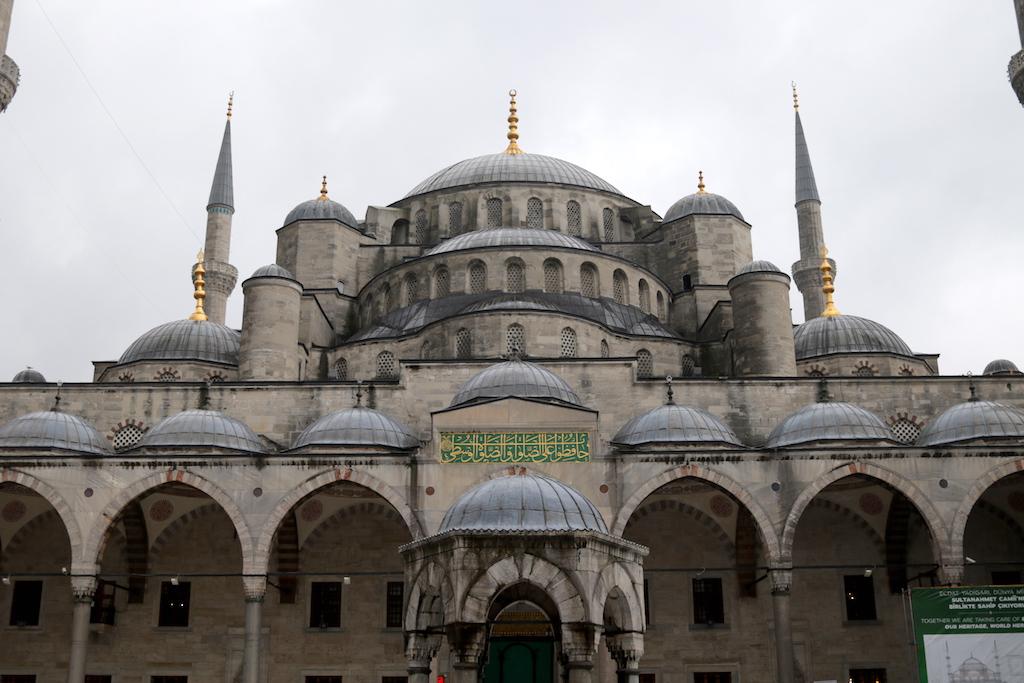 Praça Sultanahmet em Istambul e suas atrações fascinantes
