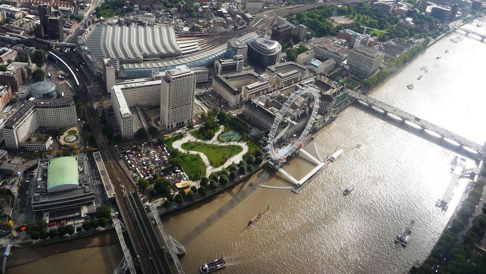 Vôo de helicóptero em Londres? SIM, é possível!