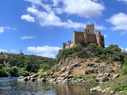 Castelo de Almourol: uma jóia escondida no meio do rio Tejo